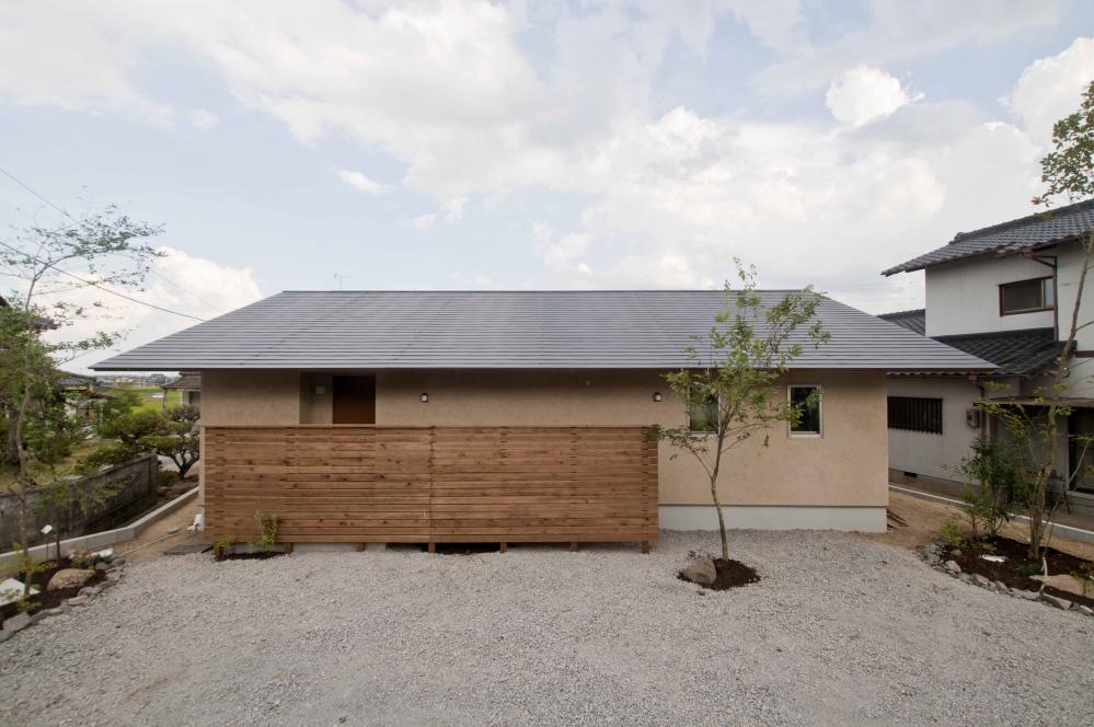 効率の良い間取りと外とのつながりのある平屋の家
