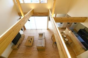 自然素材の注文住宅のすすめ~無垢の木に包まれたくつろぎの住まい「木織」~
