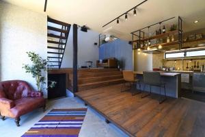 自然素材の注文住宅のすすめ~遊びゴコロ満載の住まい「LOTOFF」〜